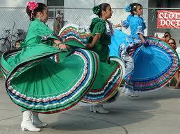 cinco de mayo celebration dancing